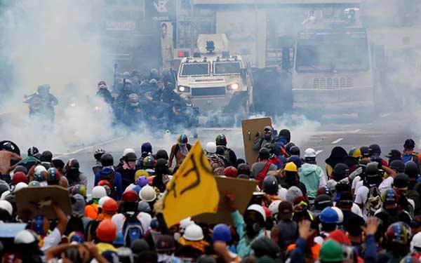 Represión contra marcha de la MUD de este 8 de mayo   Foto: REUTERS