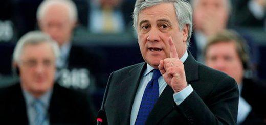 Antonio Tajani, presidente del Parlamento Europeo calla a Saúl Ortega |Foto cortesía