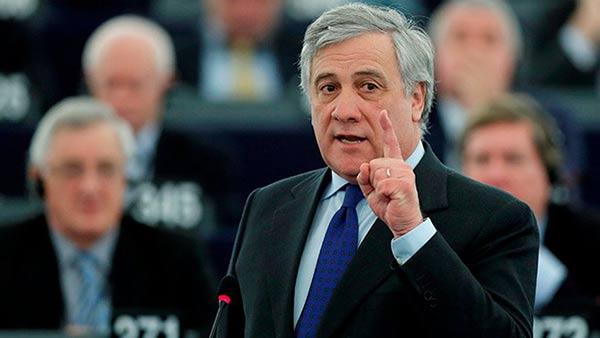 Antonio Tajani, presidente del Parlamento Europeo calla a Saúl Ortega  Foto cortesía
