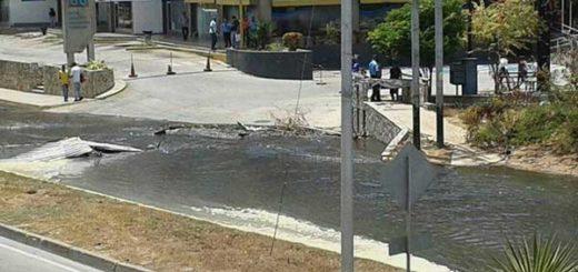 GNB abrió bomba de aguas negras para dispersar a manifestantes en Margarita | Foto: Twitter