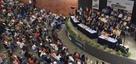 Dirigentes de la Unidad discutieron la Constituyente en El Hatillo |Foto: David Smolansky