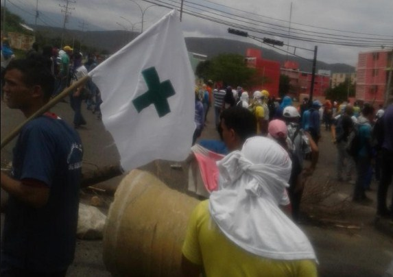 Estudiantes de medicina en Coro fueron reprimidos por la GNB #5Mayo |Foto: Twitter