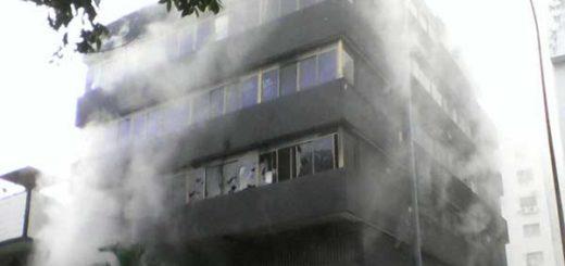 Sede de Corpoelec en Carabobo fue incendiada |Foto: @AlbertoRT51