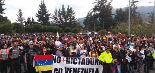 Piden deportar a quienes protesten por visita de Maduro a Quito | Foto: Twitter
