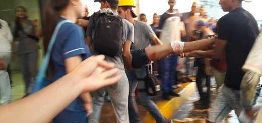 Rectora de la UDO confirmó desaparición de dos estudiantes tras hechos violentos en núcleo de Bolívar | Foto: @AndresMedinaVE