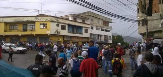 El Hatillo amaneció sin transporte público |Foto: Twitter