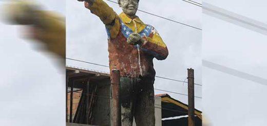 Trataron de quemar figura de Chávez en Barquisimeto | Foto: El Impulso