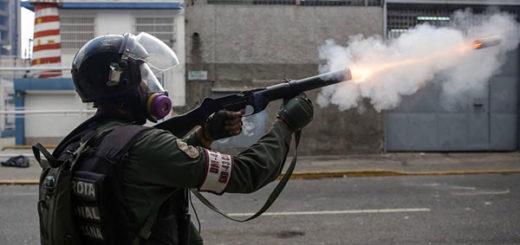 GNB reprime a manifestantes opositores  Foto cortesía