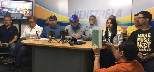 Mesa de la Unidad Democrática (MUD) anuncia la agenda de calle |Foto: Twitter