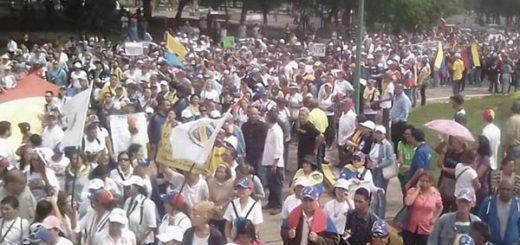 Educadores marcharon hacia sede del CNE |Foto: El Impulso