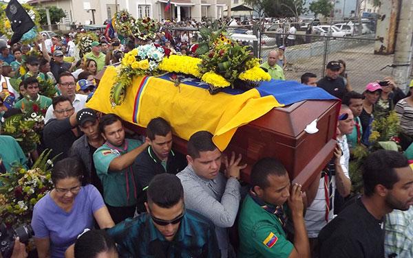 Último adiós a Paúl Moreno, miembro de la Cruz Verde | Foto: José López / Noticia al Día