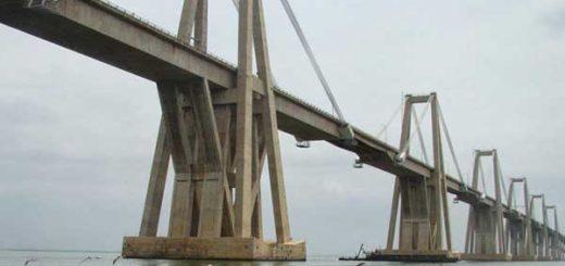 Hallan sin signos vitales a hombre que se lanzó del puente sobre el Lago de Maracaibo | Foto referencial