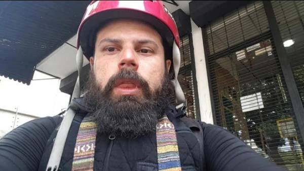 Fotografo Isaac Paniza, durante movilización opositora en Caracas   Captura de video