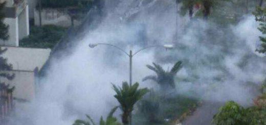Represión con lacrimógenas  en los Altos Mirandinos   Foto Twitter