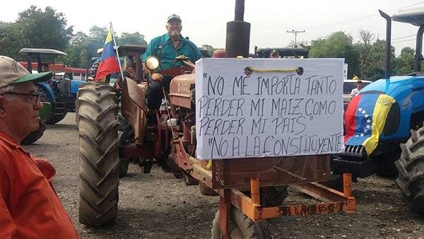 Agricultores y ganaderos protestarán este jueves  Foto Twitter