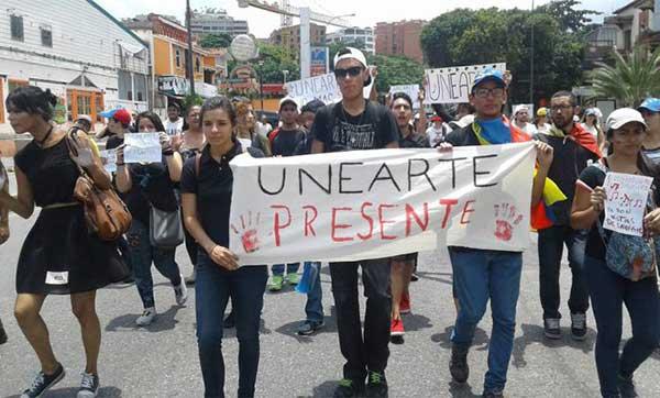 En Unearte es menos grave el plagio que manifestar descontento   Foto: El Nacional