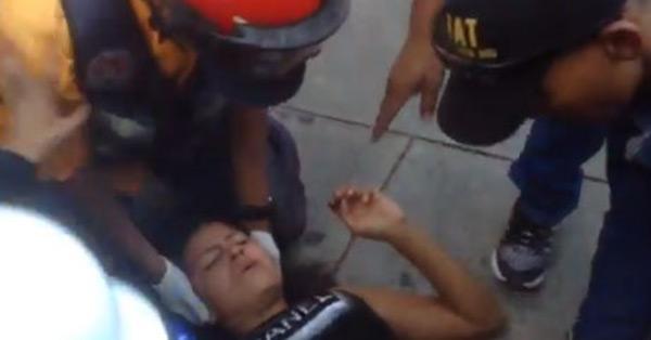 Joven arrollada en la Francisco Fajardo | Foto: captura de video