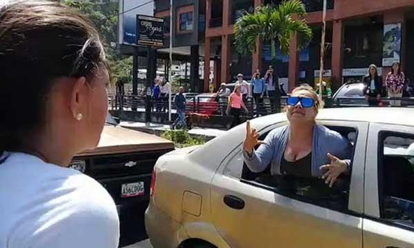 """Joven de 17 años fue sacado de su casa y detenido """"por protestar"""" en San Antonio de los Altos   Captura de video"""