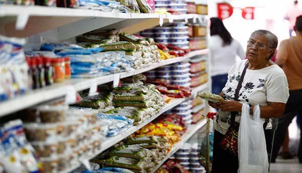 Inflación continúa causando estragos en la economía venezolana   AFP