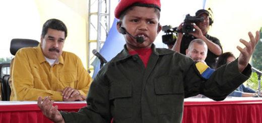 Niño vestido como Chávez recita frente a las cámaras | Foto: @PresidencialVen