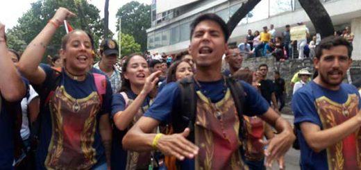 Estudiantes en la Marcha de los Libertadores | Foto cortesía