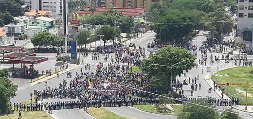 Estudiantes protestan en Aragua | Foto: Twitter