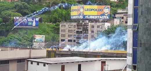 Manifestantes en la Francisco Fajardo | Foto: Twitter