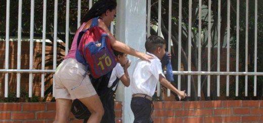 Desalojan a menores de escuelas por gases lacrimógenos | Foto: Panomara