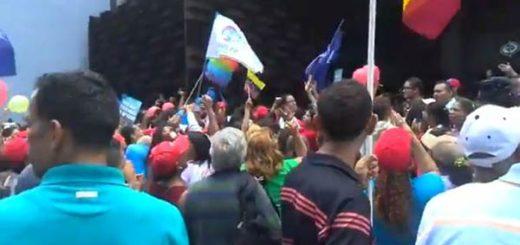 Simpatizantes del Gobierno agreden a trabajadores del Ministerio Público |Foto: Twitter