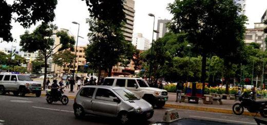 Detuvieron a jóvenes opositores durante allanamiento en Plaza Altamira | Foto: vía @ReporteYa