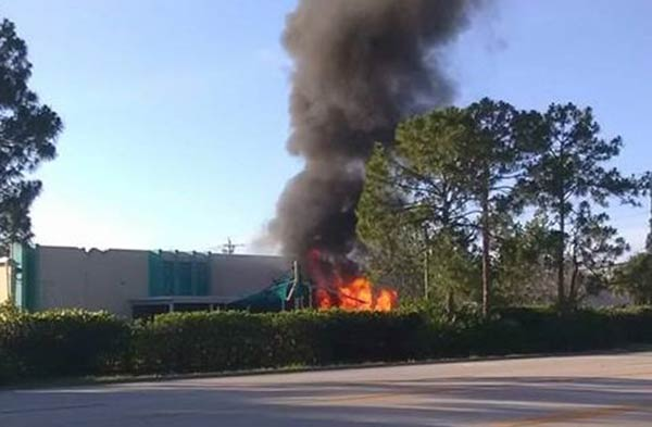 Avioneta se estrelló contra una guardería en Florida  Foto: EFE