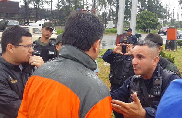"""GNB impidió plantón en Barinas por """"órdenes superiores""""   Foto: @freddysuperlano"""
