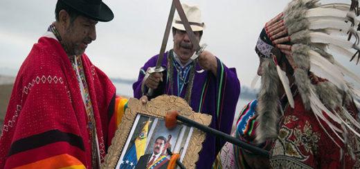 Chamanes peruanos realizaron ritual para pedir la renuncia de Maduro | Foto: EFE