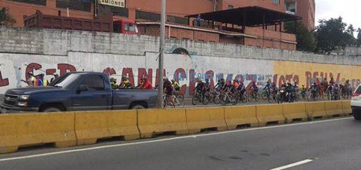Ciclistas se movilizaron por el país  Foto: Twitter
