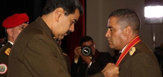 Maduro condecoró al coronel Lugo | Foto: AVN