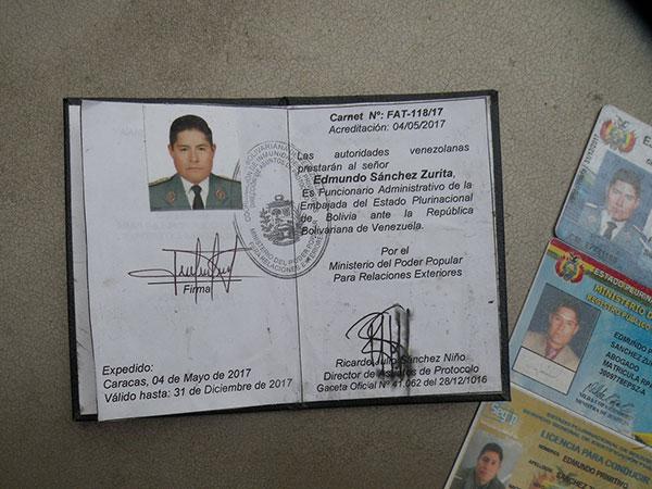Documentos de identidad de Edmundo Sánchez Zurita (PNB) | Créditos: @jourdg