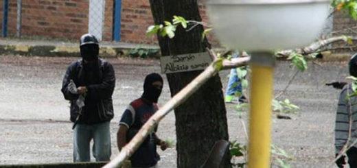 Encapuchados armados arremetieron contra estudiantes de la ULA en Trujillo | Foto: vía @leoperiodista