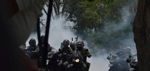 GNB arremetió contra periodistas que registraban represión en Maracaibo | Foto: Twitter