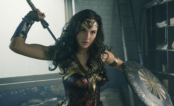 """Wonder Woman"" rompe la maldición de las superheroínas en Hollywood 