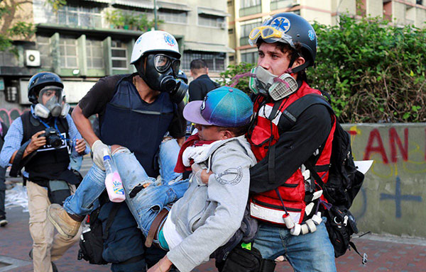 Al menos 17 heridos durante represión de este jueves fueron atendidos por Salud Baruta | Foto: Reuters
