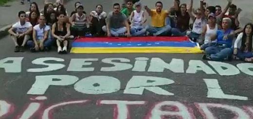 El sentido homenaje a los caídos en las protestas que hicieron en Maracay | Captura de video