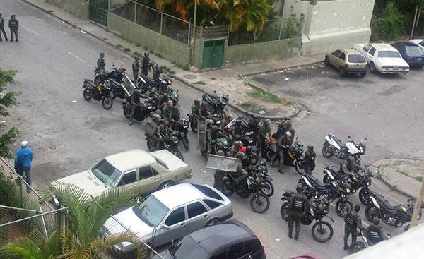 GNB irrumpió en viviendas y detuvo 5 personas tras protesta en Los Teques | Foto: Twitter