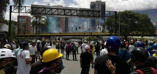 La represión comenzó en horas del medioddía #19Jun |Foto: NTN24