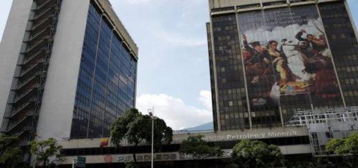 Una vista general de la sede central de la petrolera estatal venezolana PDVSA en Caracas, Venezuela. 21 de julio, 2016. El Gobierno de Donald Trump considera posibles sanciones contra el sector energético de Venezuela, incluida la petrolera estatal PDVSA REUTERS/Carlos Garcia Rawlins