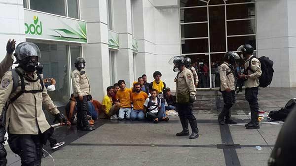 Estudiantes de la USB detenidos | Foto: Twitter