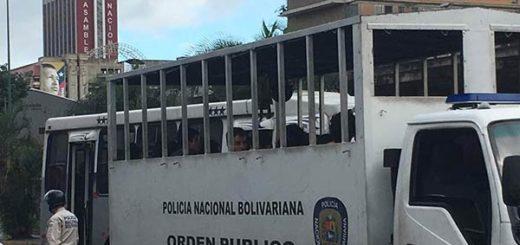 Trasladarán a estudiantes detenidos en El Rosal a sede de la PNB en El Llanito |Foto: Twitter