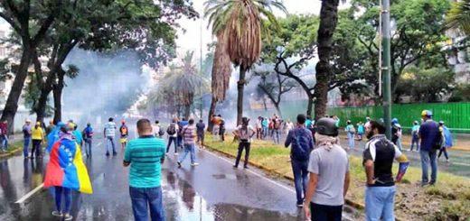 Represión en Montalbán  Foto: @eliasayegh