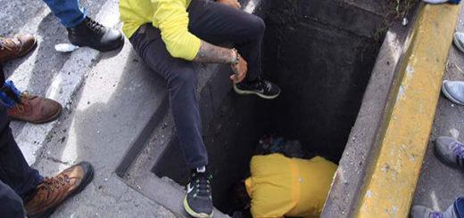 El diputado Juan Requesens fue lanzado a una alcantarilla por efectivos de la GNB | Foto: Twitter
