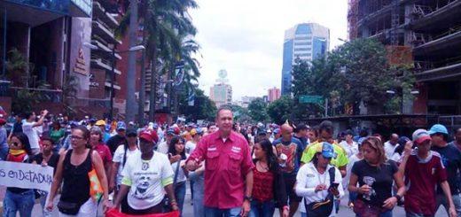 Richard Blanco participó en marcha por la paz |Foto: Nota de prensa