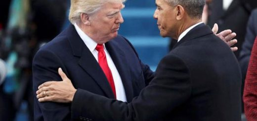 Donald Trump en su investidura junto a Barack Obama |Foto: Reuters